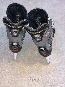 CCM Vector 8.0 Ice Hockey Skate Senior Size 6 E